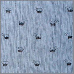Világos kék színű mackó mintás dupla géz